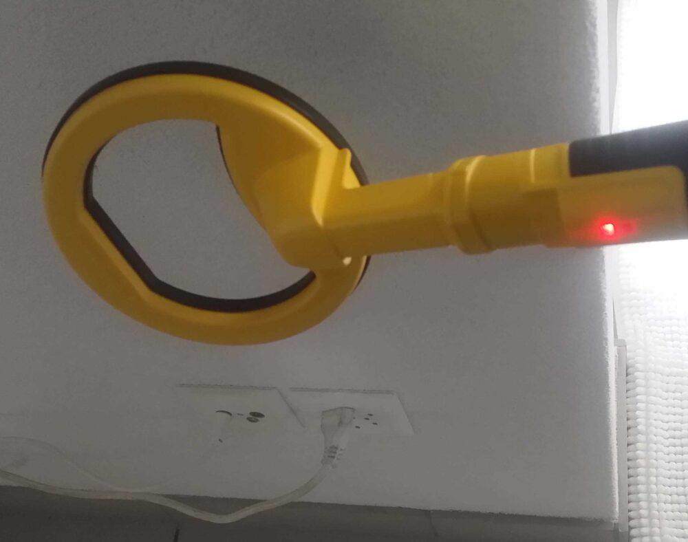 Stromleitung finden mit Detektor Metalldetektor Nailfinder Nageldetektor Pi 3kHz Farbe gelb schwarz